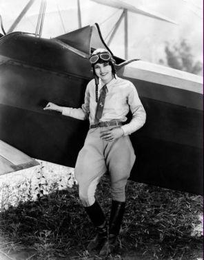 femme aviatrice